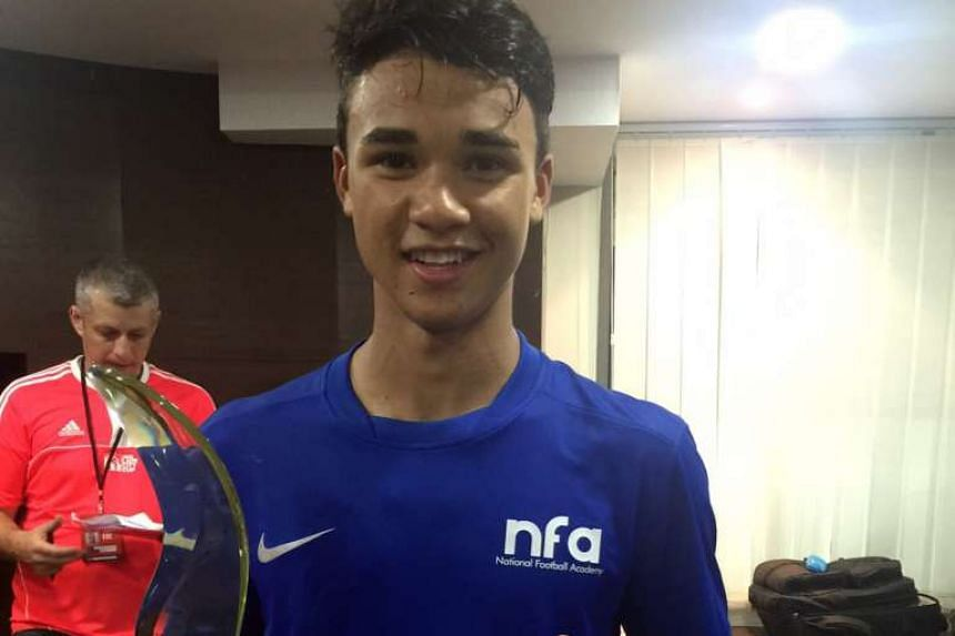 Ikhsan Fandi with his man-of-the-match award.