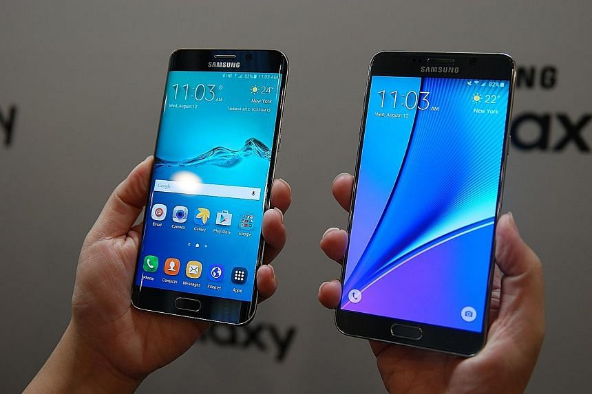 The new devices launched are the 5.7-inch Samsung Galaxy S6 edge+ (far left) and the 5.7-inch Samsung Galaxy Note 5 (left). The accelerated announcement and launch schedule of the Galaxy Note is a departure from past launches, when a new model would