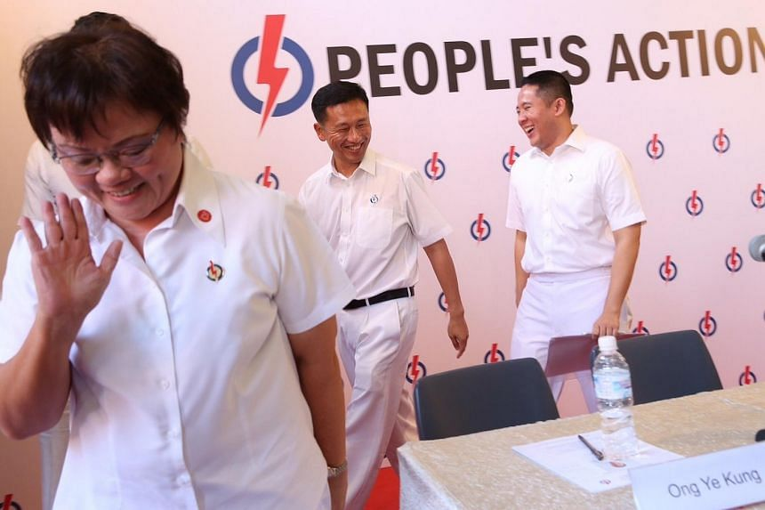 Ellen Lee (extreme left) retires from politics as newcomer Mr Amrin Amin (right) and former candidate in Aljunied GRC Mr Ong Ye Kung (centre) join the five-member constituency for Sembawang GRC.