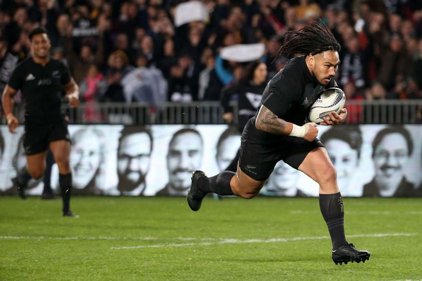 Ma'a Nonu of New Zealand runs in to score a try during the Bledisloe Cup rugby union match between the Australian Wallabies and New Zealand All Blacks on Aug 15, 2015.