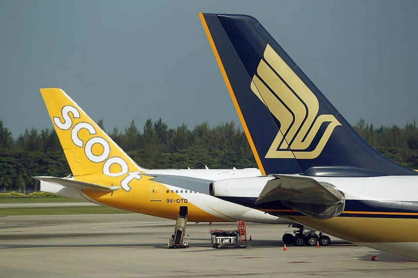 Singapore Airlines (SIA), Scoot and Tigerair have offered to waive change fees for travellers booked to fly to Bangkok after the blast on Monday.