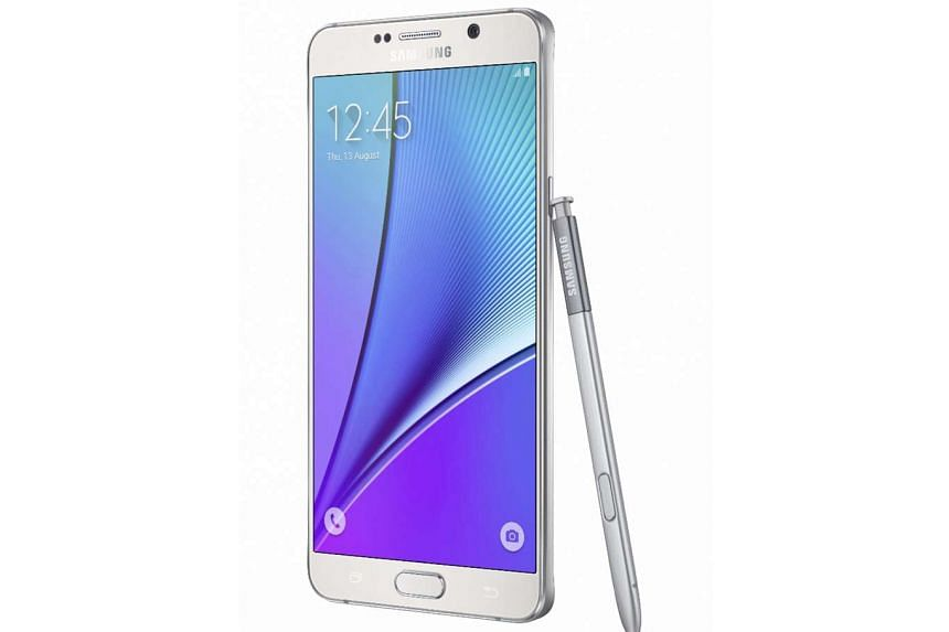 Despite its price and lack of a microSD card slot and removable battery, the Samsung Galaxy Note 5 is still the best phablet now.