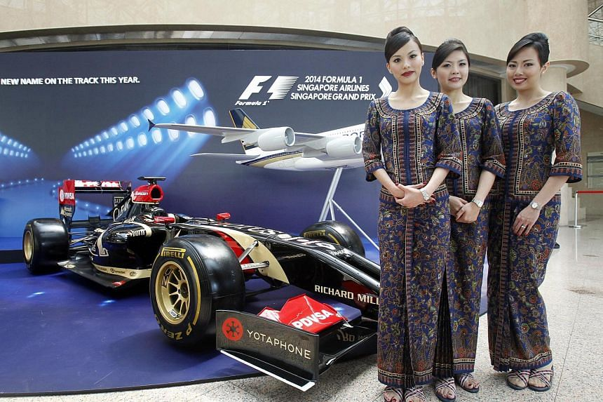 Singapore Airlines has extended its sponsorship of the Formula One Singapore Grand Prix for another two years.