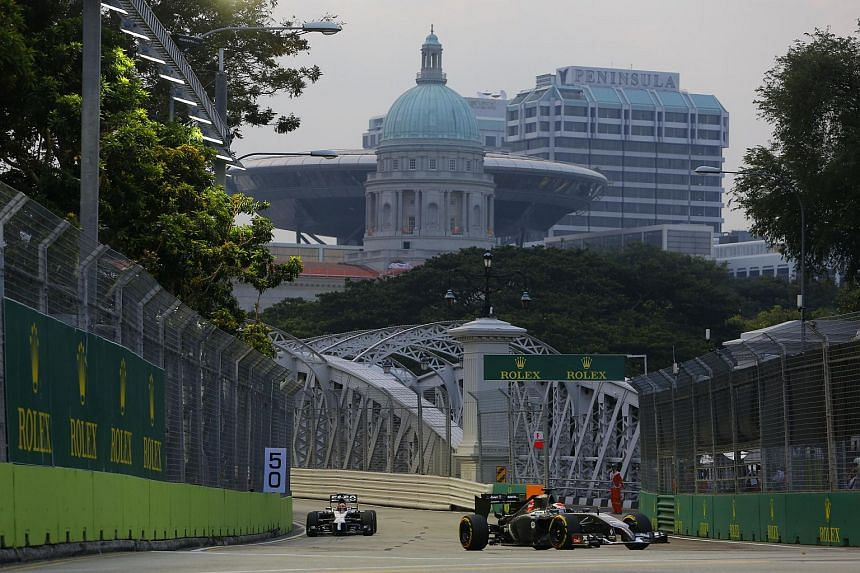 In particular, combination packages - which allow spectators to sit at different grandstands each day - are selling fast.