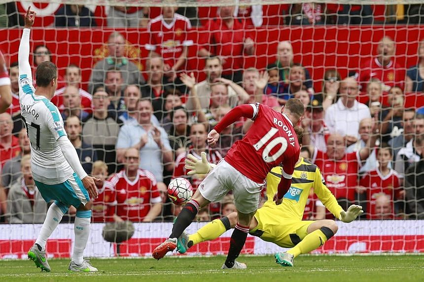 Wayne Rooney still cannot end a goal famine after this effort against Newcastle is ruled out for offside.
