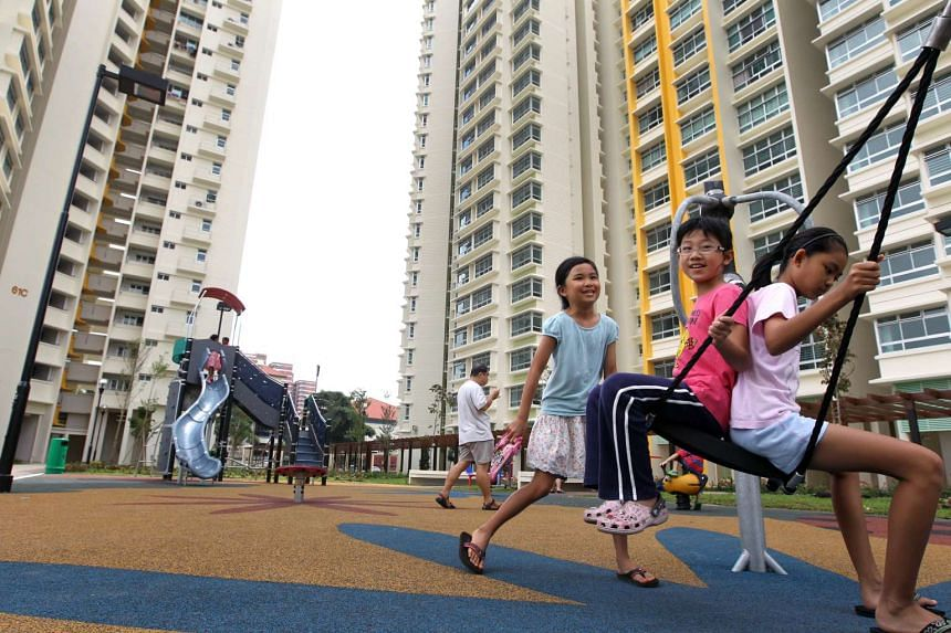A new Proximity Housing Grant, which encourages married couples and their parents to live closer together, was announced by PM Lee Hsien Loong.