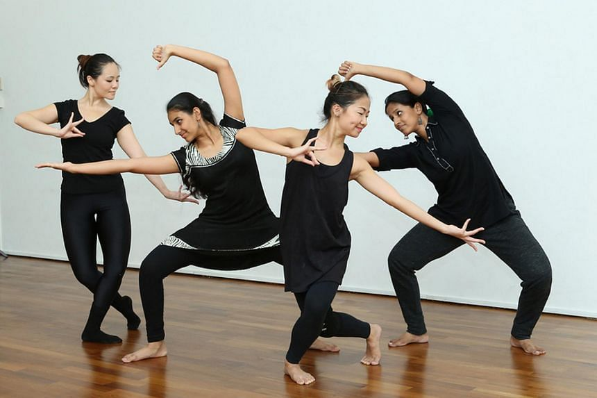 10 Singapore-based dancers from diverse dance and ethnic backgrounds attempted to present their perceptions of existence in the city state.