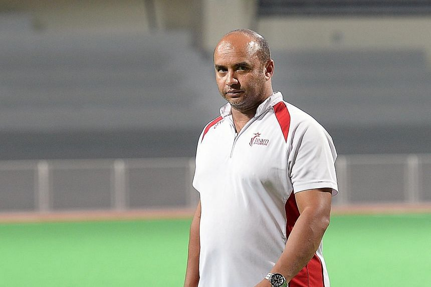 South African Solomon Casoojee had plans to widen the talent pool, but the national men's hockey coach will leave in March next year, despite a contract that extends until 2017.