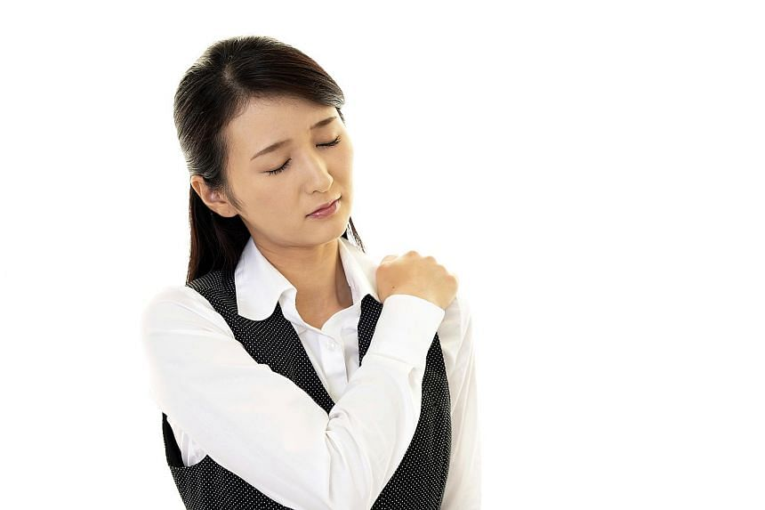 """In traditional Chinese medicine, shoulder and thumb pain can be traced to deficiencies in the liver and kidneys. Shoulder pain can also be caused by a lack of """"qi"""" and blood, and poor blood circulation."""