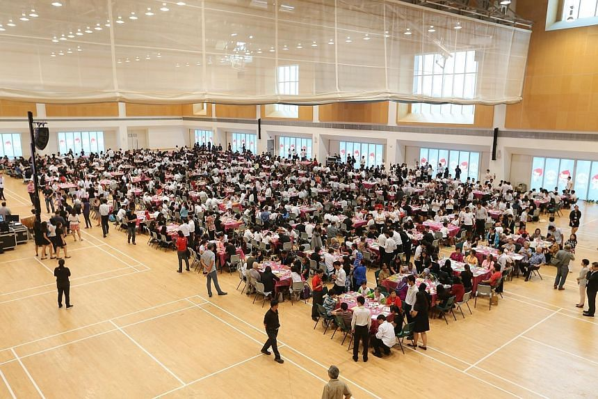 As part of ITE College Central's SG50 celebrations, more than 1,500 students took part in a mass painting event to set a new milestone in the Singapore Book Of Records.