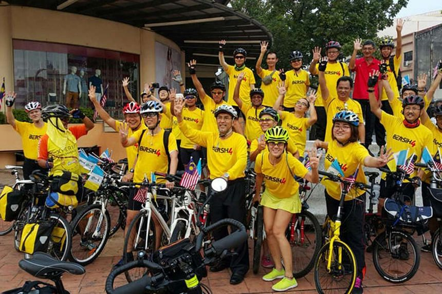 A group of Bersih 4 supporters in Penang on Aug 28, 2015.