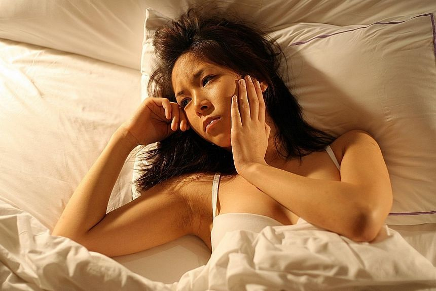 To minimise the symptoms of jet lag, say experts, travellers should try to cut down on stress.
