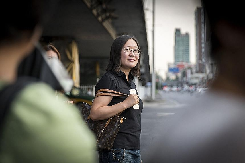 Ms Lin Mo, a popular online financial advice columnist in China, says she gets hundreds of messages from young professionals who are terrified about their prospects during an economic slowdown.