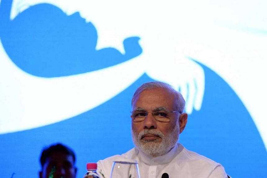 Indian Prime Minister Naredra Modi will let an executive order making it easier for businesses to acquire land lapse, after failing to garner the necessary parliamentary support.