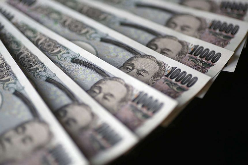 The yen and the euro both advanced on Monday (Aug 31) for the first time in a week as uncertainty increased about global monetary policy direction.