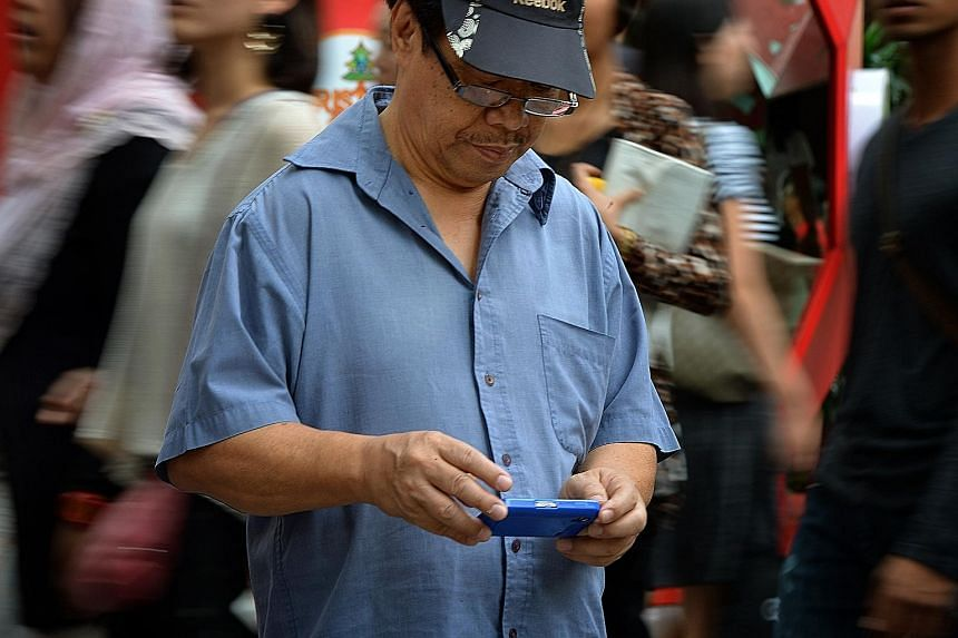 With the median mobile data download speed hitting 21,870kbps in Singapore, consumers here would generally be able to use data-intensive applications without experiencing lag.