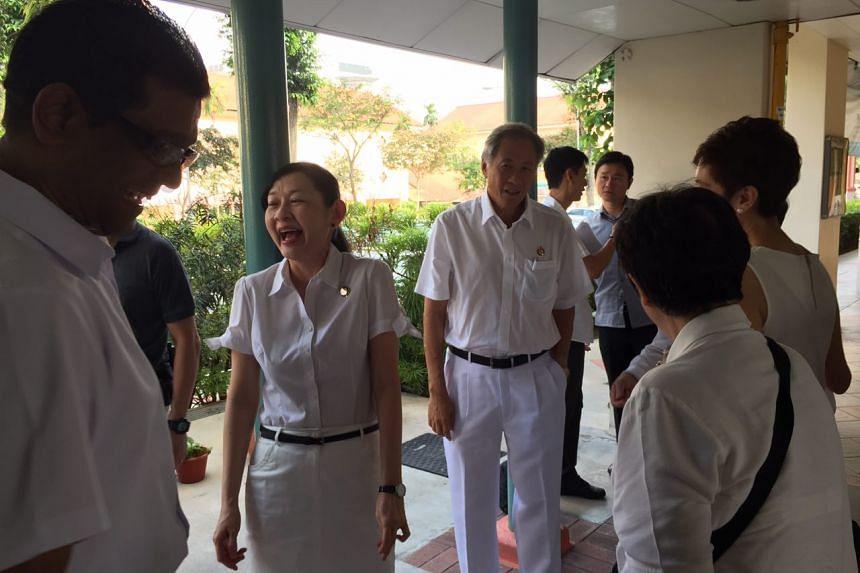 At Bishan-Toa Payoh, anchor minister Ng Eng Hen turned up with his wife Professor Ivy Ng.