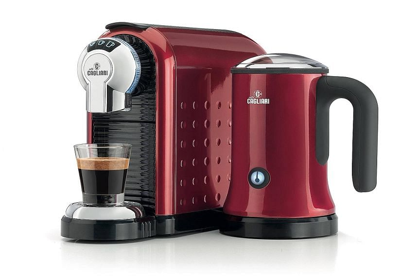 The Cagliari Carina offers the smaller ristretto, on top of espresso and lungo sizes and comes with a built-in milk frother.