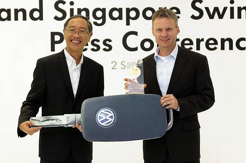 SSA president Lee Kok Choy (left) and Volkswagen Group Singapore managing director Steffen Schwarz announced their partnership extension during a celebratory dinner last night.