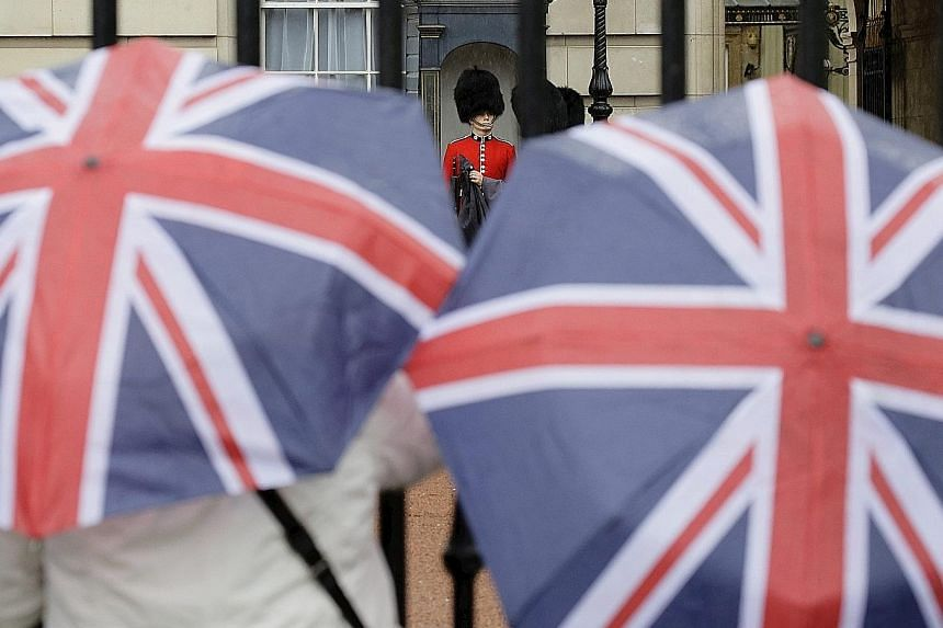 It's a gloomy outlook for British business after financial data company Markit indicated the country's overall economic growth rate was likely to slow to 0.5 per cent in the three months up to this month, from an above-average 0.7 per cent in the sec