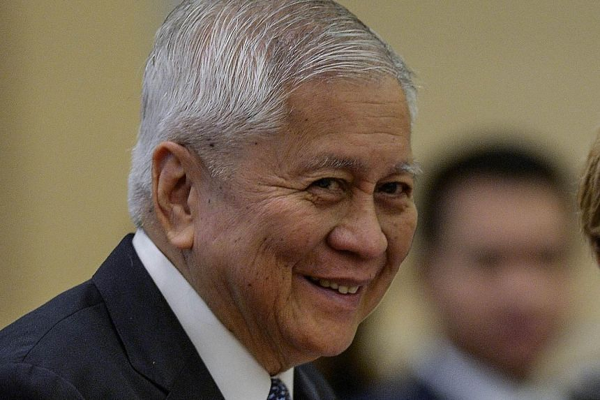 Philippine Foreign Secretary Albert del Rosario said that as strategic partners, his country and Vietnam aim to deliver results.