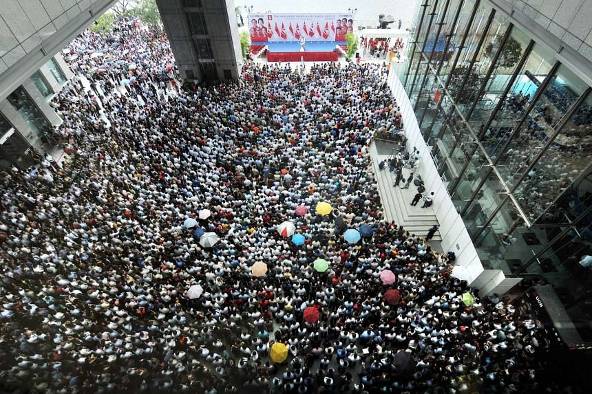In the 2011 general election, the Singapore Democratic Party held a lunch-time rally at UOB Plaza.