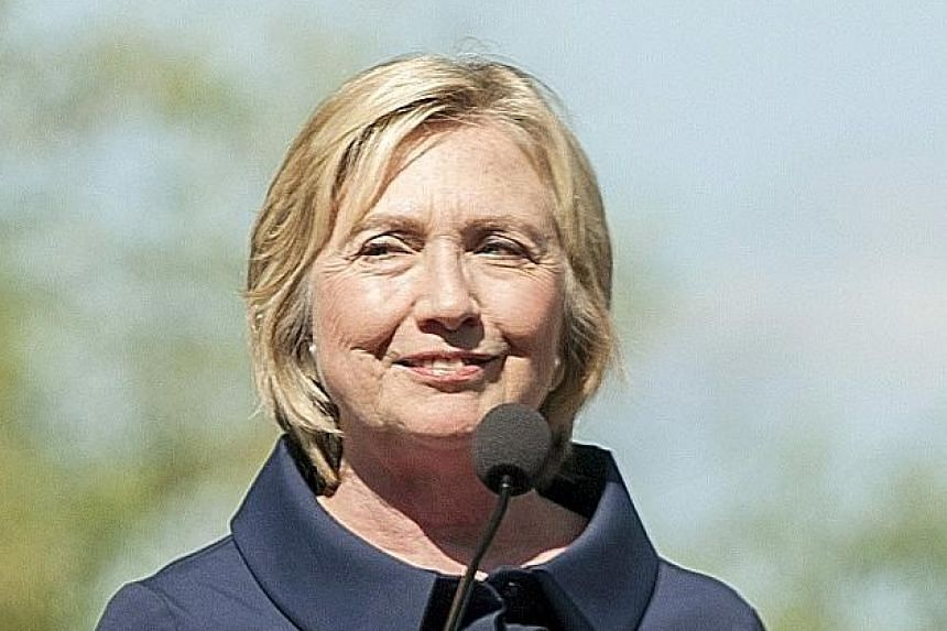 Mrs Hillary Clinton used her private e-mail account when she was the US' top diplomat.