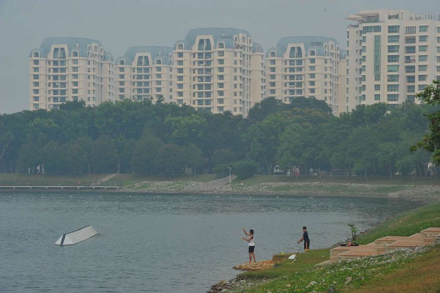 The haze situation at Bedok Reservoir Park at around 4.30pm on Sept 10.
