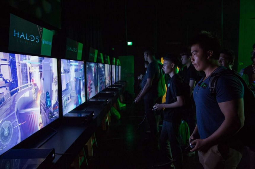 Fans at the Xbox FanFest on Sept 9, 2015.