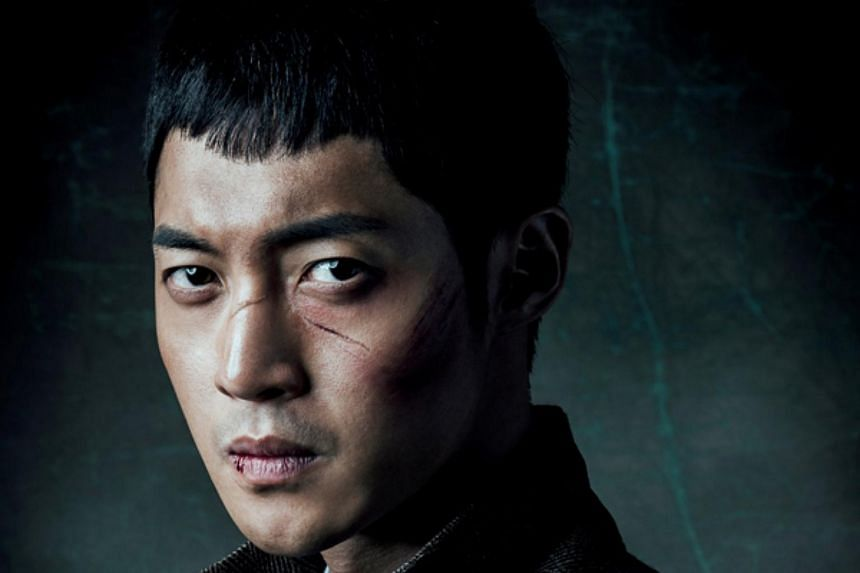 Kim Hyun Joong in a TV still from The Treasure Hunter.