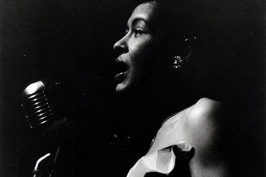 The late singer Billie Holiday will appear at the Apollo Theater in New York in a hologram performance.