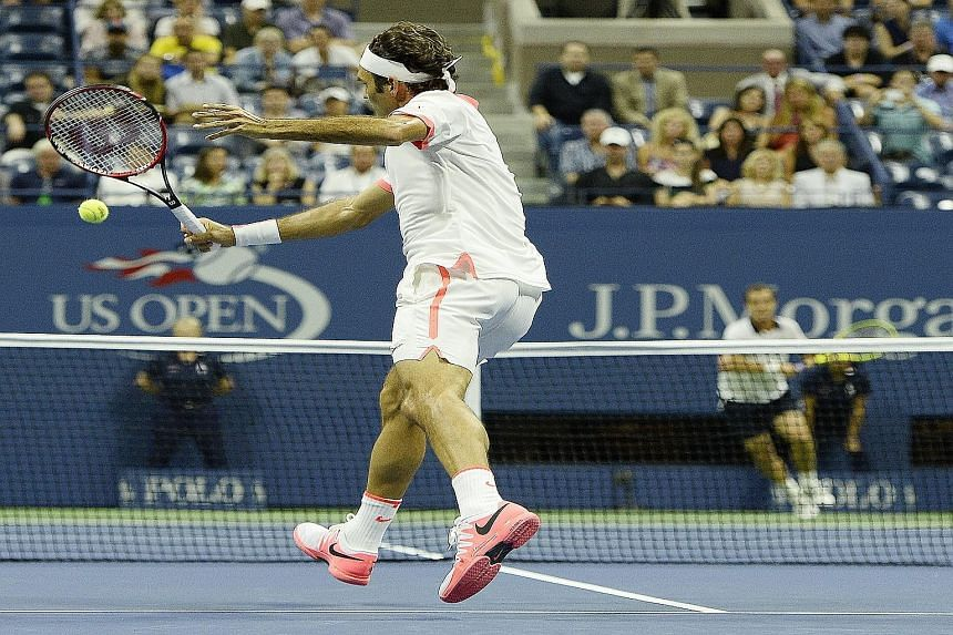 Roger Federer gave a tennis masterclass as he brushed aside the challenge from Richard Gasquet in the quarter-final.