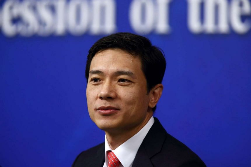 Baidu Inc.'s Robin Li is betting billions of dollars on services connecting people through the Web to thousands of entrepreneurs and businesses in the real world, risking revolt among investors as he sacrifices profit today for future growth.