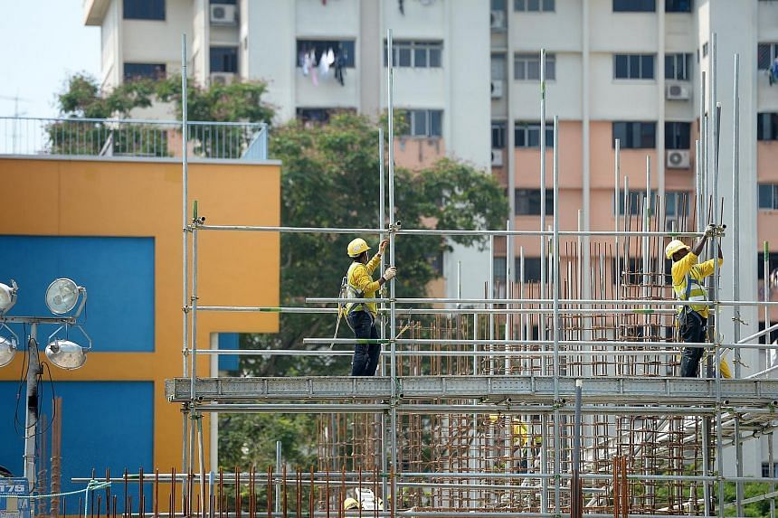 The construction industry recorded the highest number of workplace deaths, with 10 in the first half of this year, although this was seven fewer than in the same period last year. This is its safest showing since 2006.
