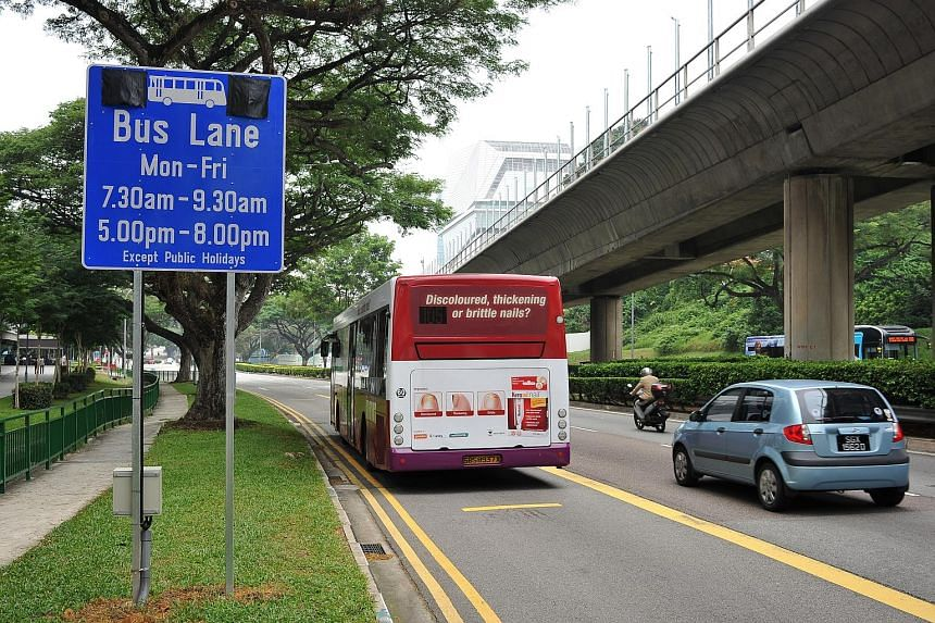 The LTA will be testing the use of LED lights (covered for now) on bus lane signs in four locations later this year. The lights are an additional warning to motorists when restrictions are in force. This sign is in Commonwealth Avenue West in the dir