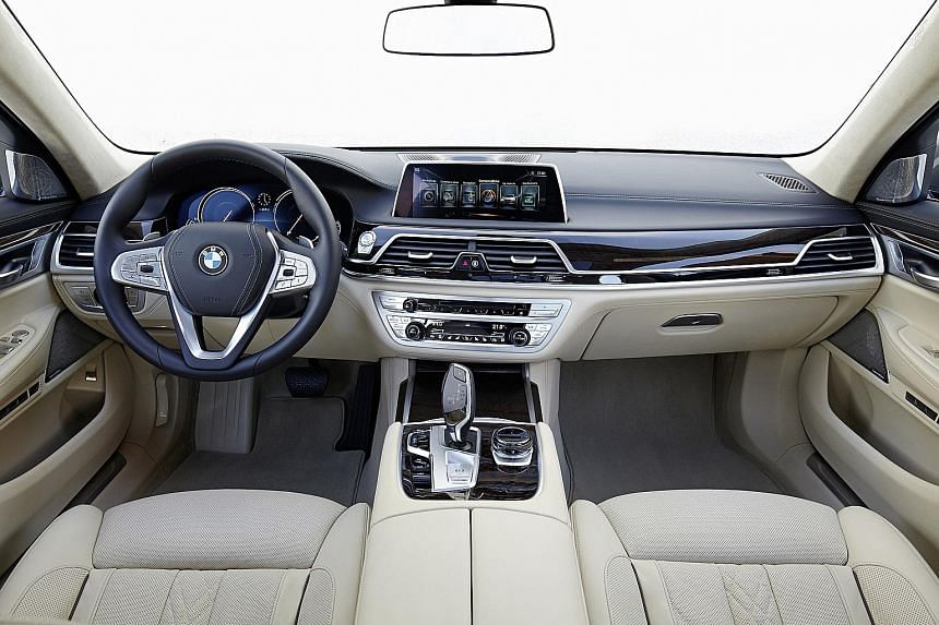 The new BMW 7-series matches its superb performance with grand looks and a luxurious finish.