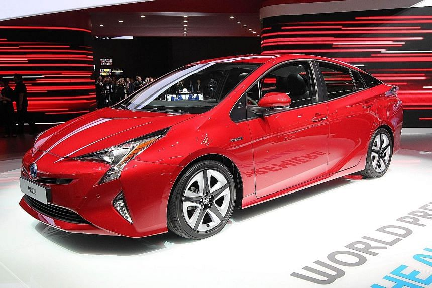 Toyota's latest Prius hybrid sheds its geeky outline to adopt a sleeker form.