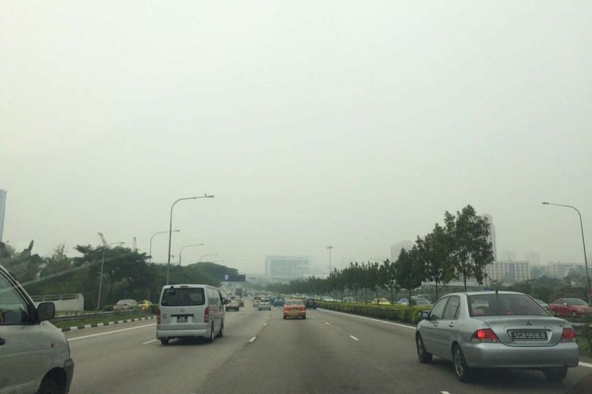 The hazy scene along the Central Expressway before Braddell on Sept 24, 2015, at 11.55am.