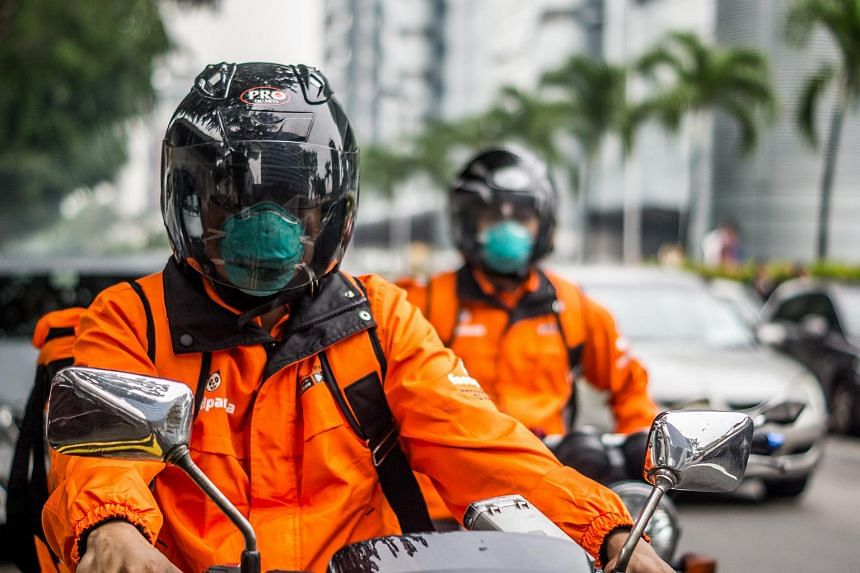 Food delivery platform foodpanda, which has issued N95 masks and antiseptic wet tissues to all riders.