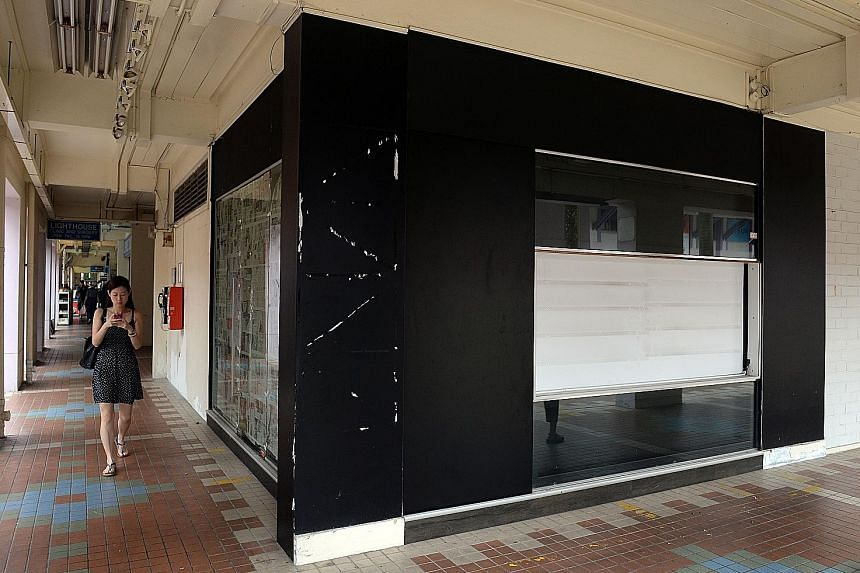 The Scissorhands and its affiliate Shizahanzu closed all seven outlets on Aug 29. This hair salon at Block 642 Bukit Batok Central is one of them and another branch, at nearby Block 641, had a notice from the Small Claims Tribunals stuck on its door.
