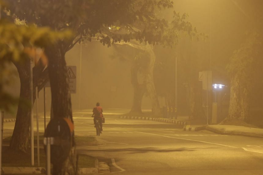 Haze situation near Margaret Drive at 6.30am on Sept 25, 2015.