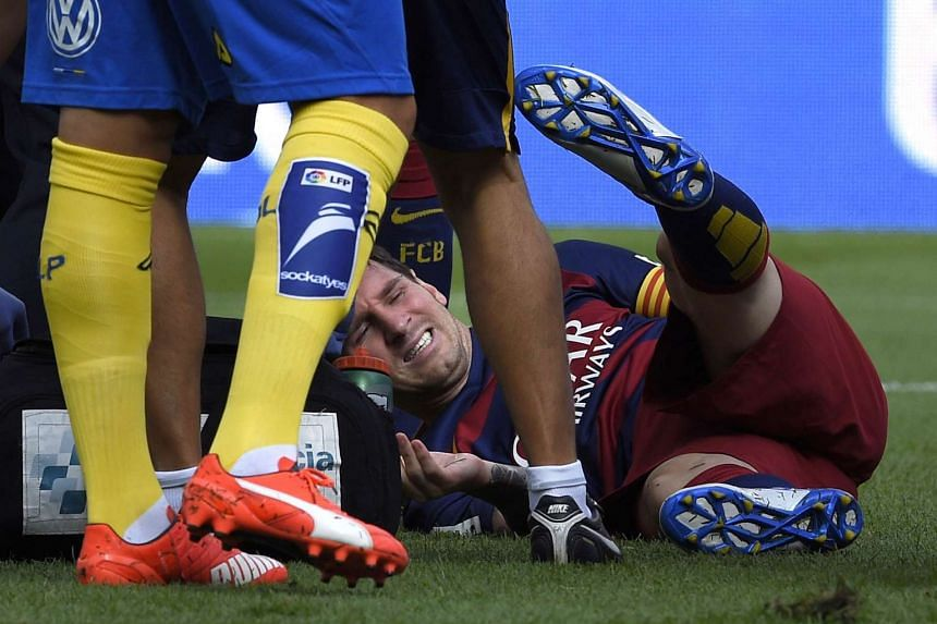 Messi complains on the field during the Spanish league football match.
