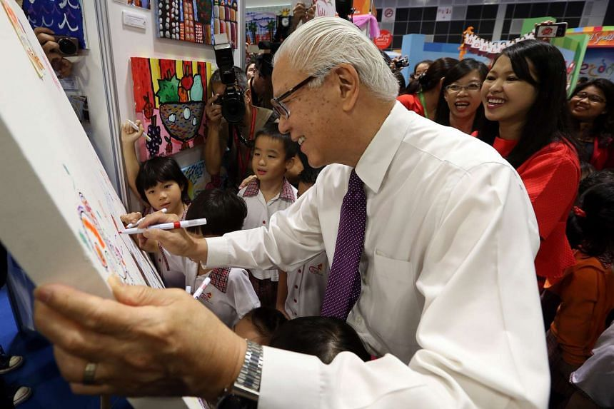 President Tony Tan Keng Yam graced the Start Small, Dream Big (SSDB) finale event at the Suntec Singapore Convention and Exhibition Centre, where he presented some 150 pre-school centres with certificates of appreciation.