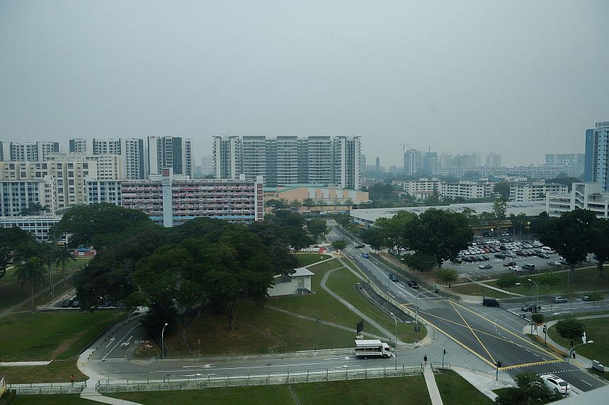 Pix show slight haze at Old Airport Road estate on the South Eastern part of Singapore on Sept 25, 2015.