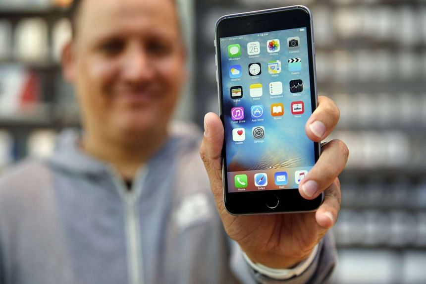 Apple began selling the iPhone 6S and 6S Plus in nine markets last Friday.