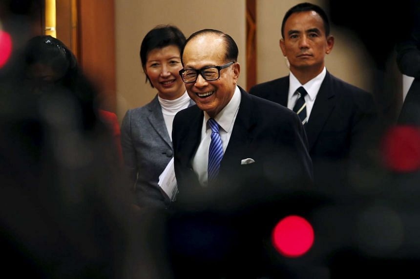 Asia's richest man Li Ka-shing said he supports China's path to reform and opening up, has great confidence in China and greatly admires President Xi Jinping's leadership style.