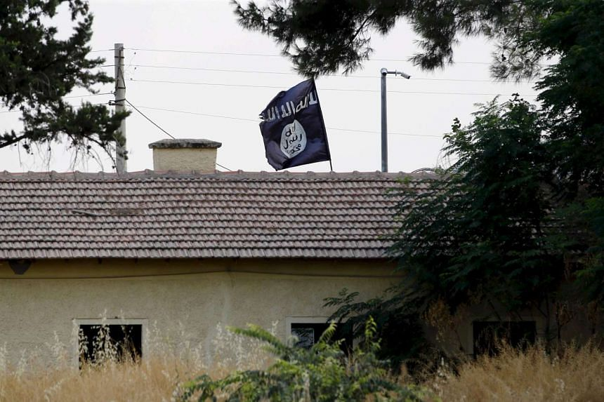 Austria has jailed a Chechen man, his wife and his mother for attempting to join Islamic State in Iraq and Syria (ISIS) extremists in Syria.
