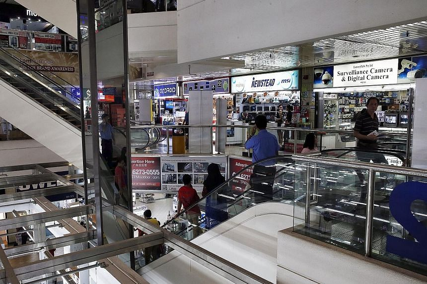 Prosecutors pressed for stiff sentences to be meted out on four salesmen from a mobile phone shop in Sim Lim Square.
