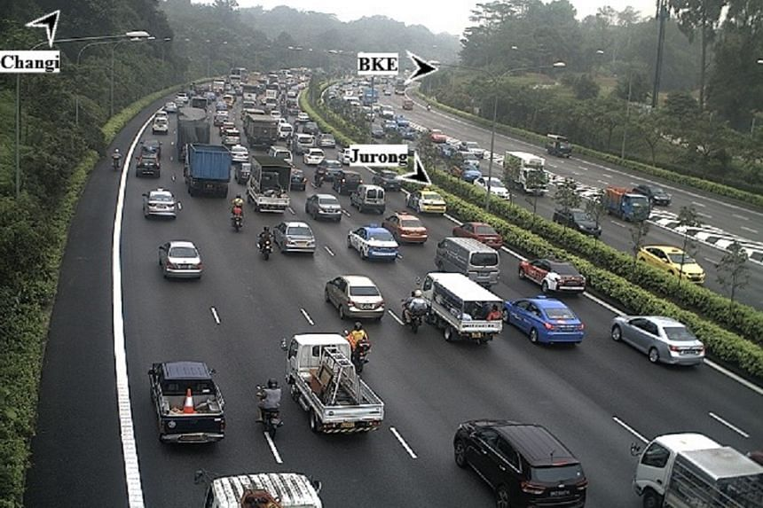 Heavy traffic at PIE towards Changi on Friday (Oct 2) morning.