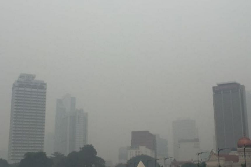 The organisers of Malaysia's Standard Chartered KL Marathon have cancelled the event, due to the worsening haze situation.